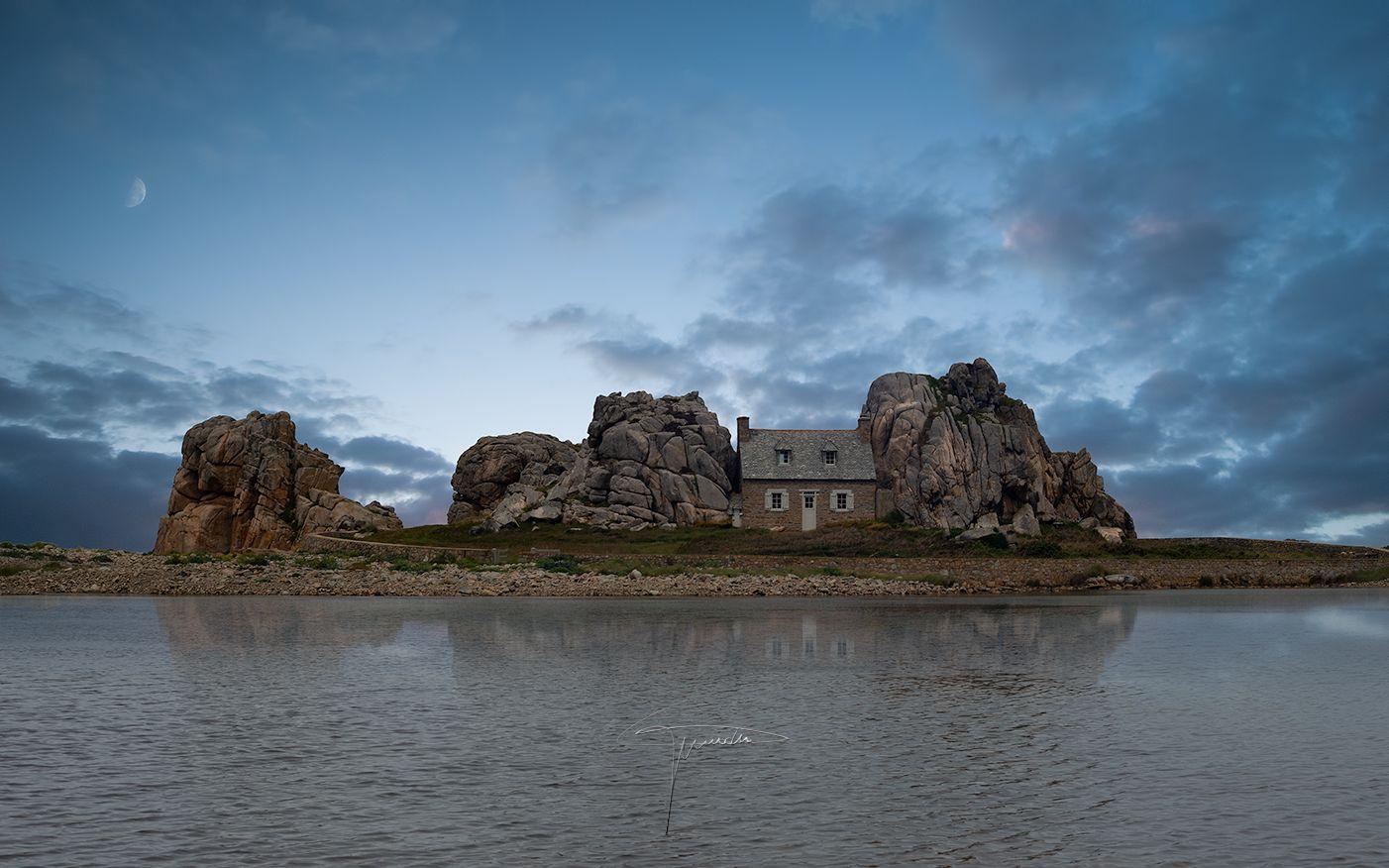 La Maison entre les rochers